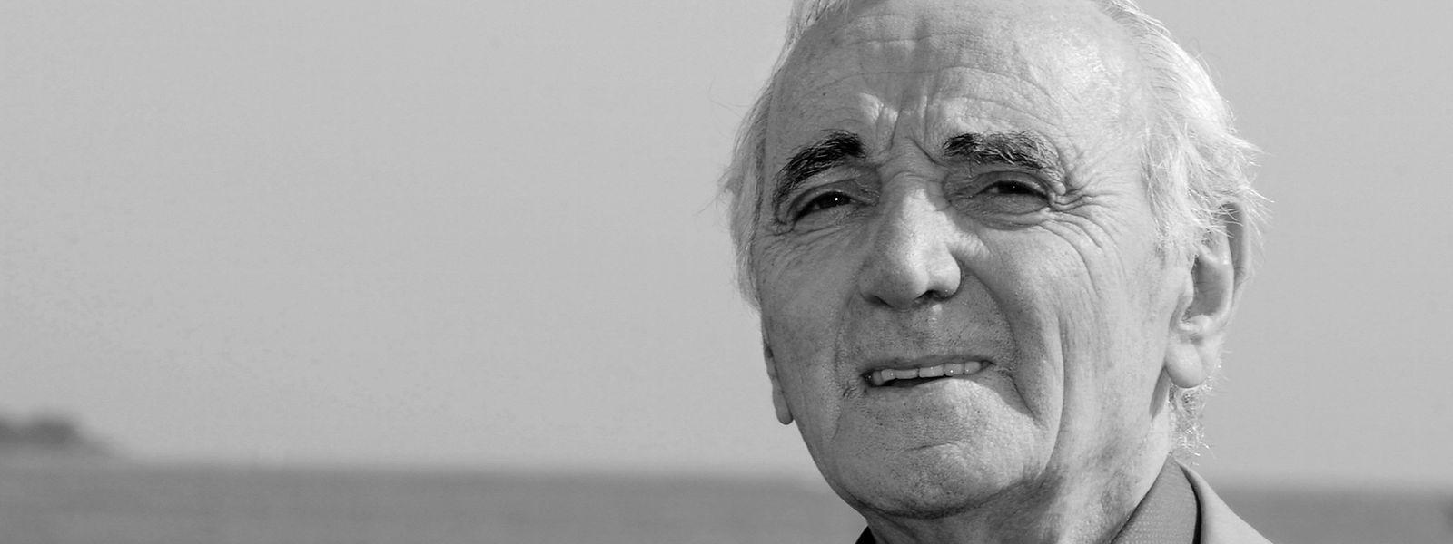 Der französische Sänger Charles Aznavour bei einem Fototermin. Er ist im Alter von 94 Jahren gestorben.