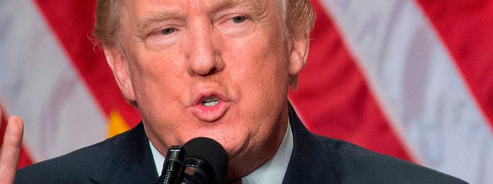 """In einer Rede zu seiner nationalen Sicherheitsstrategie hat US-Präsident Donald Trump Russland und China als """"rivalisierende Mächte"""" bezeichnet."""