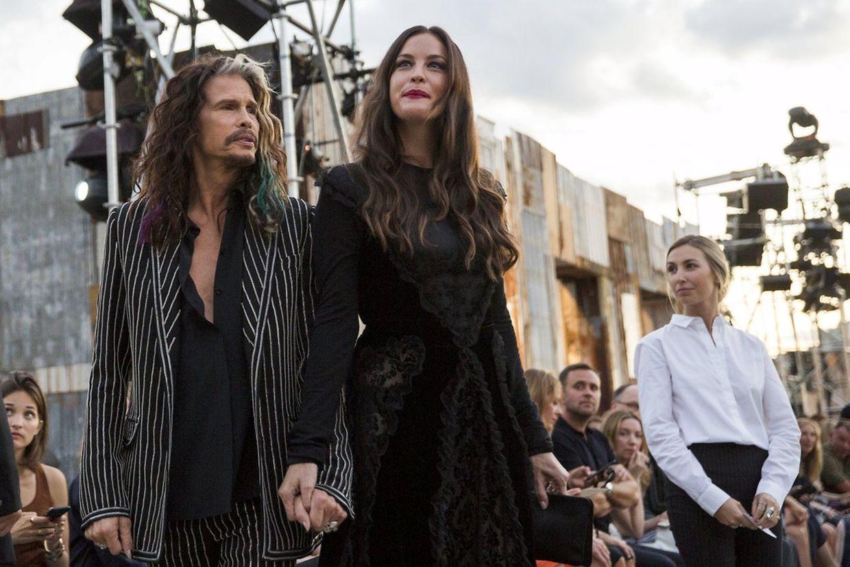 Rocker Steven Tyler kam mit Tochter Liv zur Präsentation von Givenchy.