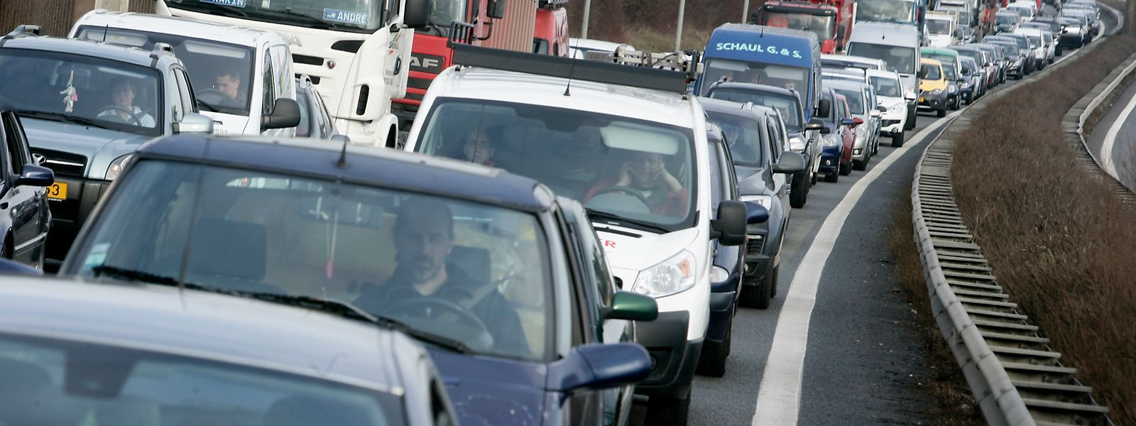 Chaque semaine, compte tenu des nouveaux recrutements, 155 voitures supplémentaires se lancent sur les routes luxembourgeoises.