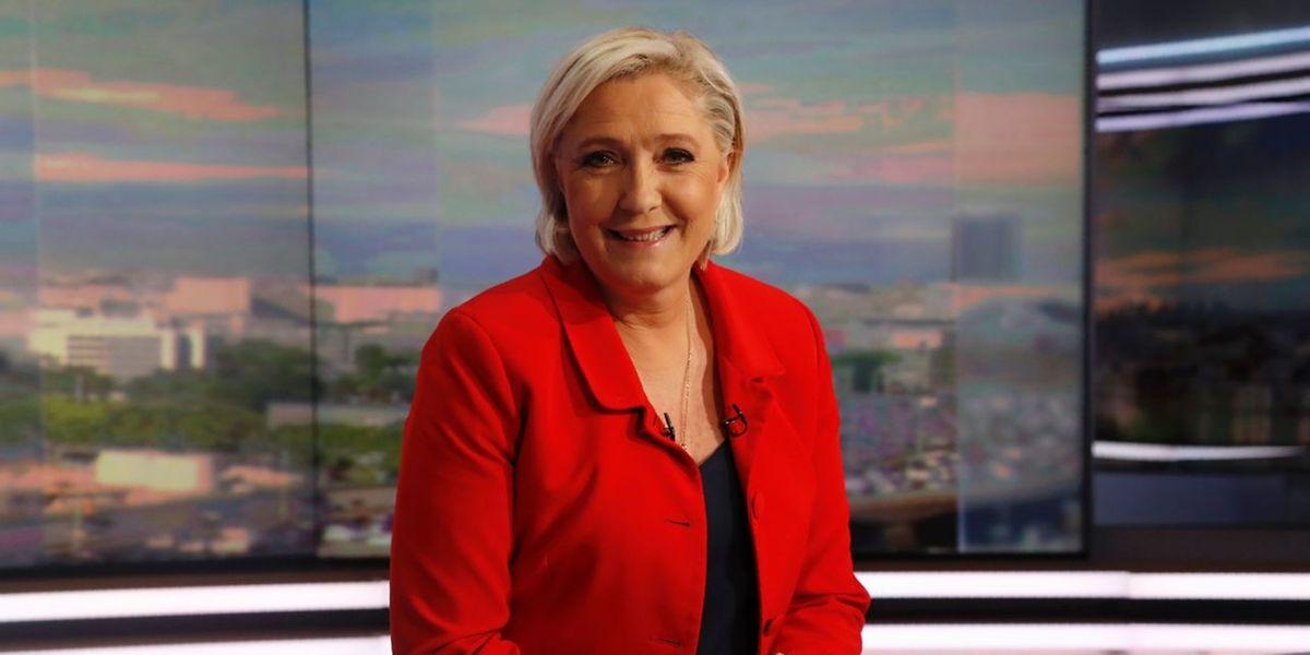 Affirmant avoir «bien conscience que le sujet de l'euro a inquiété considérablement les Français, de manière presque irrationnelle», la présidente du FN et ex-candidate à la présidentielle a déclaré lors du journal télévisé de TF1 que «nous allons devoir en tenir compte, discuter, réfléchir».