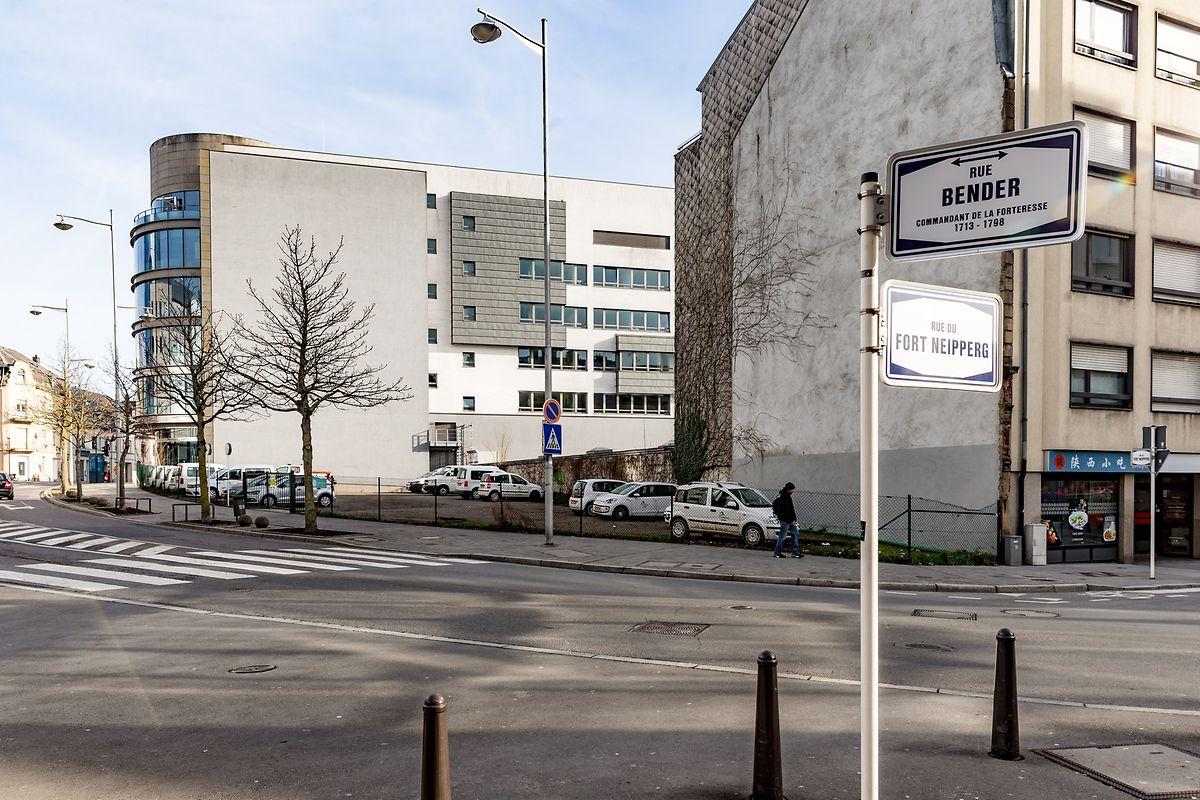 Le terrain situé au croisement des rues Bender et Fort Neipperg est revenu parmi les biens de la Ville de Luxembourg en octobre 2017.