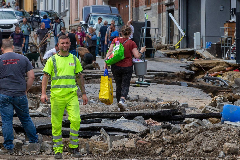 Imagens das regiões mais afetadas no sul da Bélgica.