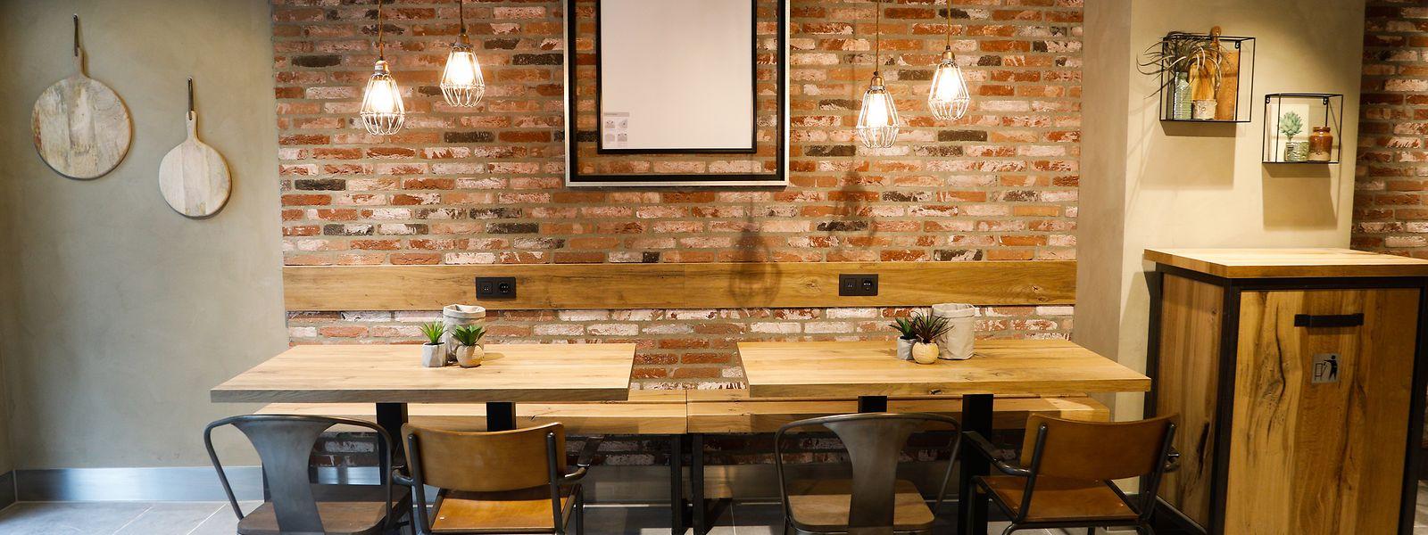 Die letzten Tage gab es in den Restaurants wegen der Epidemie immer weniger Gäste - jetzt sind die Restaurants im Land geschlossen.