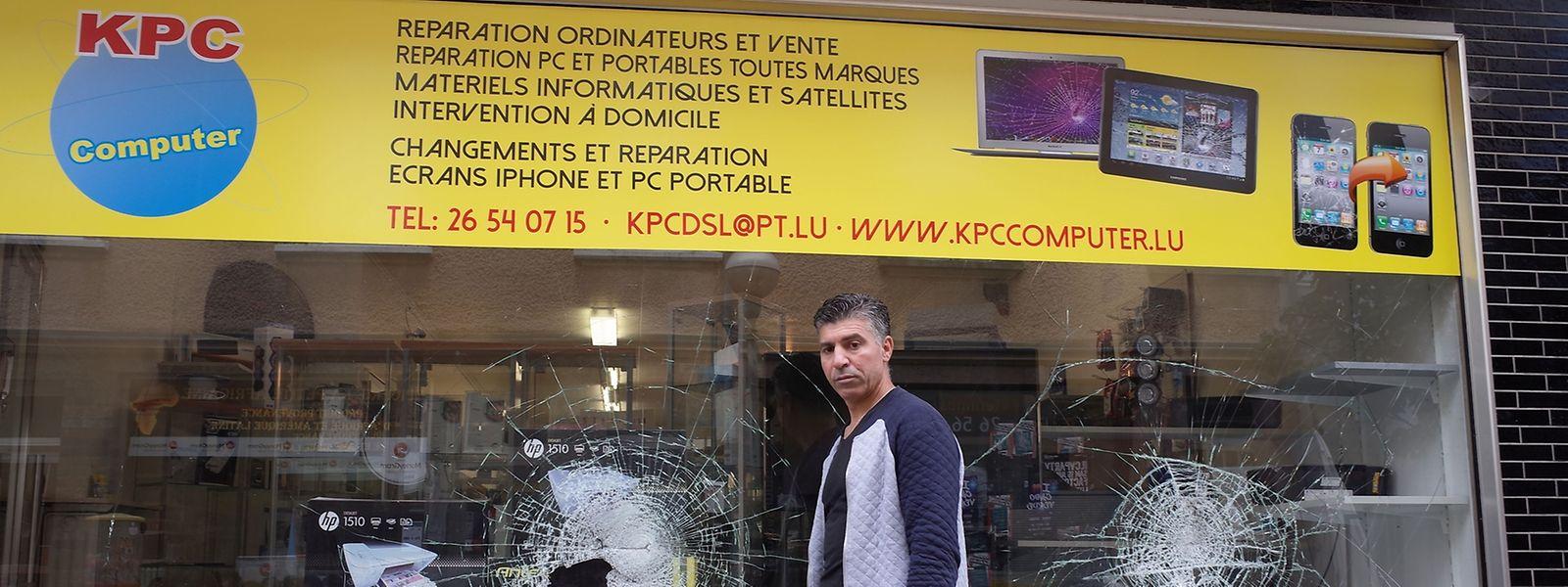 Nicht zu übersehen sind die Einschläge im Schaufenster von Abdennabi Khaidar.