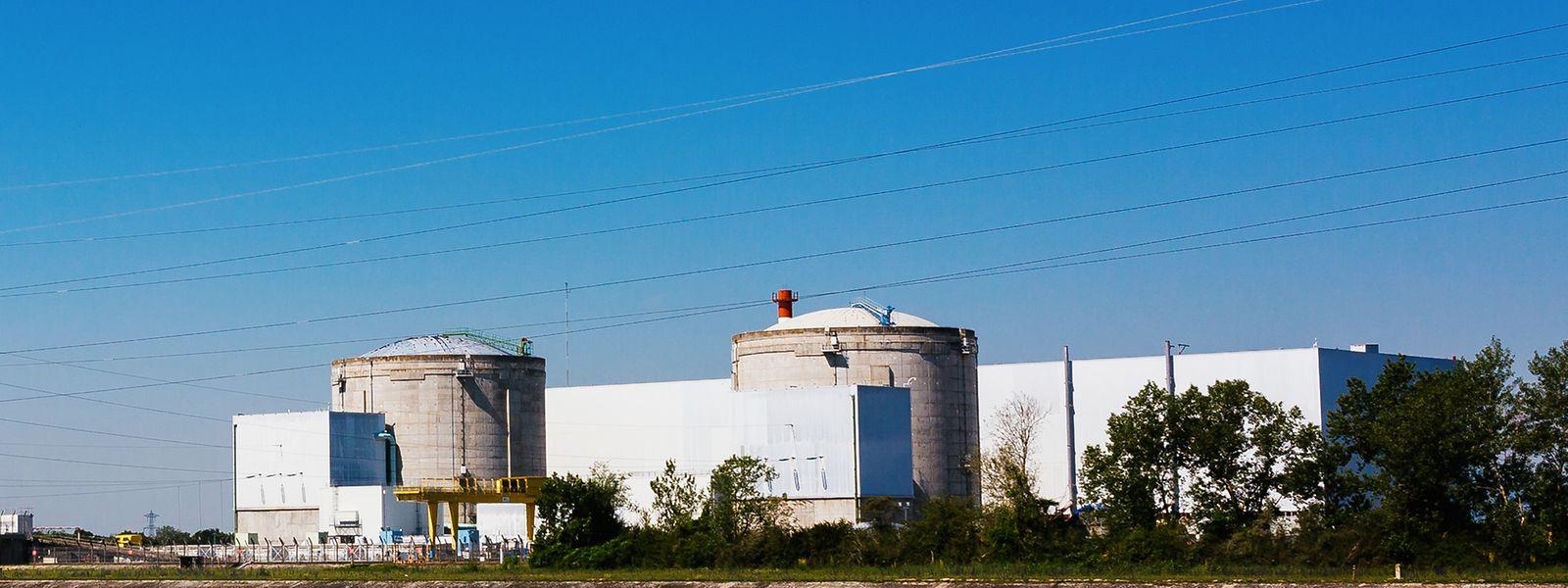 Die beiden Reaktorgebäude des Kernkraftwerks (AKW) Fessenheim.
