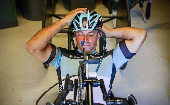 Handbiker Joël Wagener musste notoperiert werden.