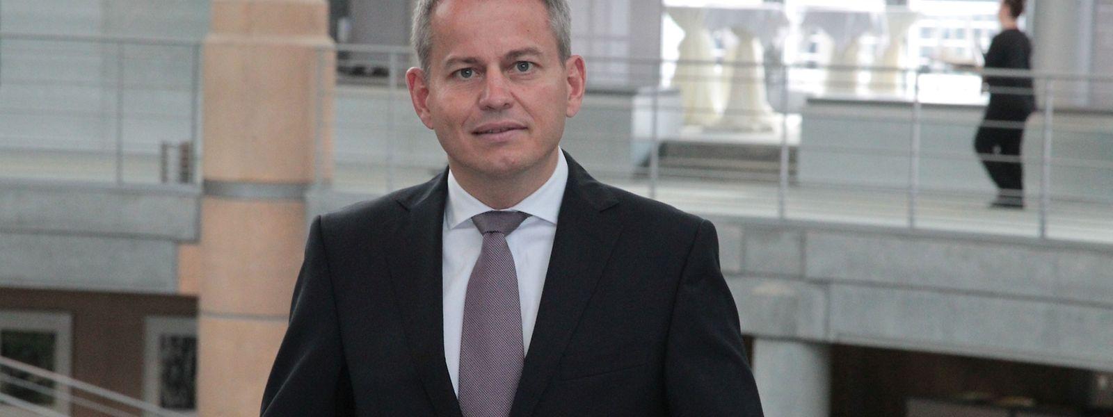 Der 44-jährige Frank Krings hat zum 15. März 2016 die Nachfolge von Boris Liedtke angetreten, der zum 31. Dezember 2015 auf eigenen Wunsch aus der Bank ausgeschieden ist.