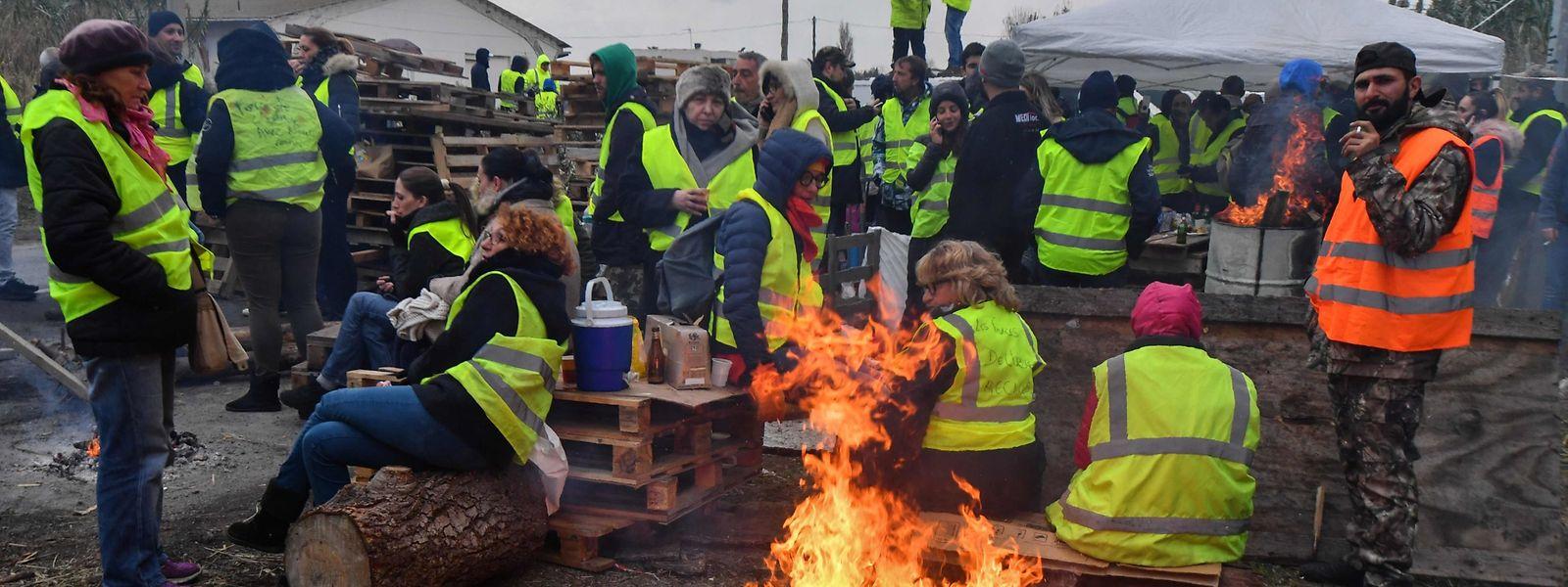 Demonstranten in Frontignon, in Südfrankreich. Die Protestbewegung lässt nicht nach.