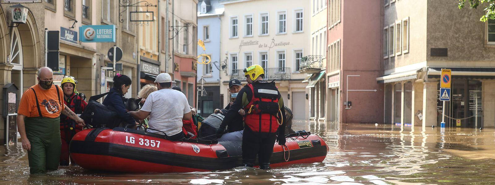 """""""Wenn man bereits bis zu den Knien im Wasser steht, kann man nicht mehr von einem Krisenmanagement sprechen"""", kritisiert Umweltwissenschaftler Jeff Da Costa."""