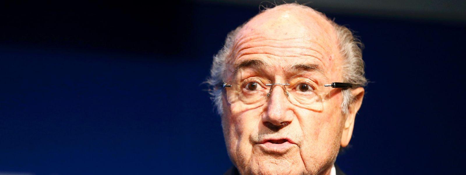São exigidas explicações a Joseph Blatter