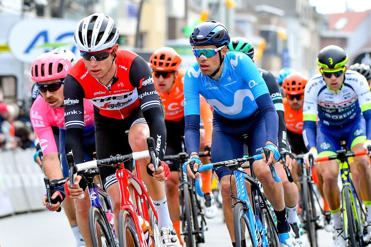 Alex Kirsch à la planche. Le coureur de la Trek devra épauler ses leaders sur les routes de Flandre.