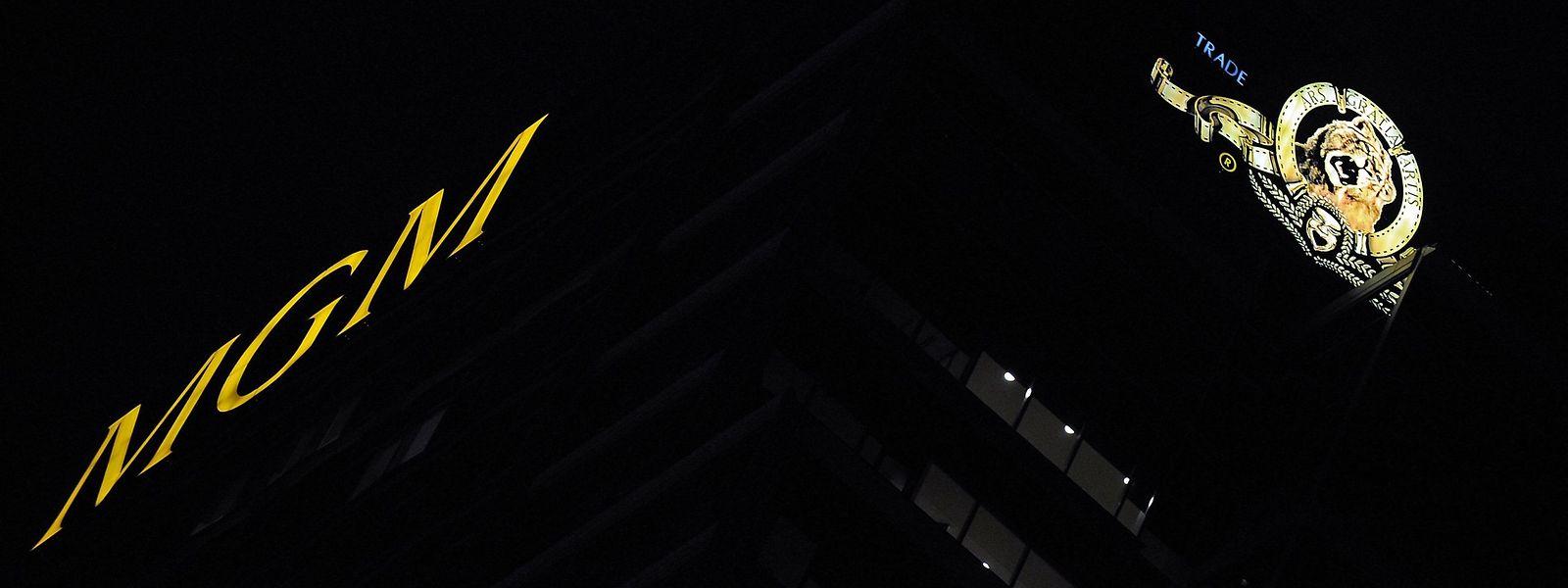 Der MGM-Turm in Los Angeles mit dem berühmten Löwen auf der Seite des Gebäudes.