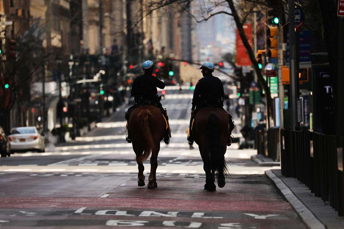 In New York gelten weiterhin strenge Ausgangsbeschränkungen.