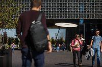 Die Universität versucht zu helfen: Mit Darlehen für die Miete, Essensgutscheinen und dem Zugang zu Technik.