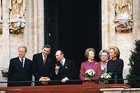 Visite d'Etat luxembourgeoise en Belgique le 17 mars 2000: le roi Albert II en compagnie du bourgmestre de Luxembourg De Donnea, le grand-duc Jean, la grande-duchesse Joséphine-Charlotte, de Mme De Donnea et la reine Paola
