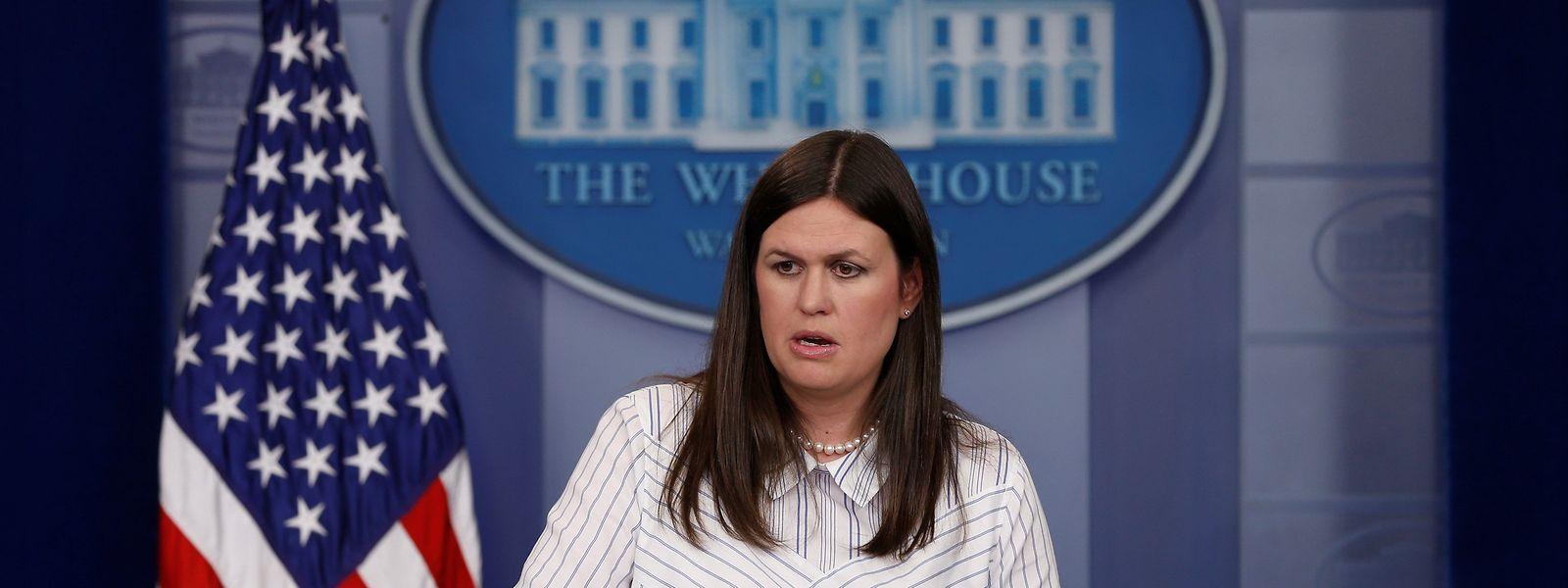 Stühlerücken in der Kommunikationsabteilung des Weißen Hauses: Sarah Huckabee Sanders beerbt Sean Spicer.