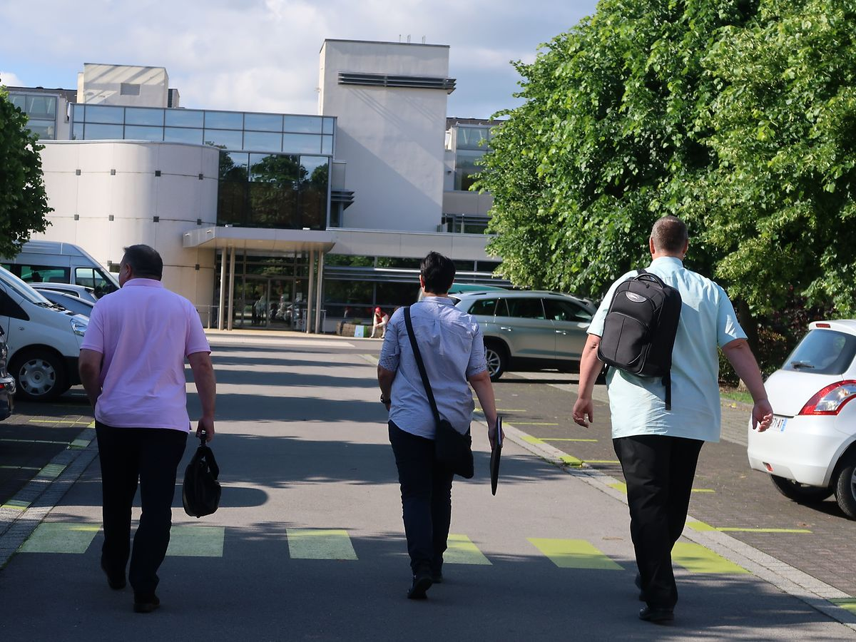 Vers 9h30, trois inspecteurs de l'ITM se sont rendus à la maison de soins «An de Wisen» dont le directeur de l'ITM, Marco Boly.