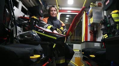 Anne übt ihr Hbby als freiwillige Feuerwehrfrau mit Begeisterung aus.