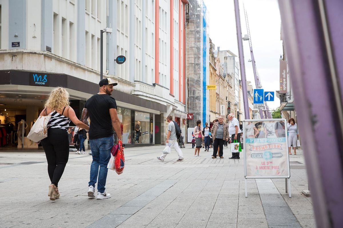 """Rue de l""""Alzette is the longest pedestrianised shopping street in Luxembourg Photo: Lex Kleren"""