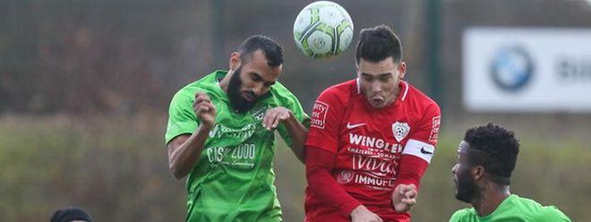 Ahmed Benhemine (ici en duel avec le Rosportois Gilles Feltes) et Mondorf vont devoir batailler pour prendre leur distance avec la zone rouge.