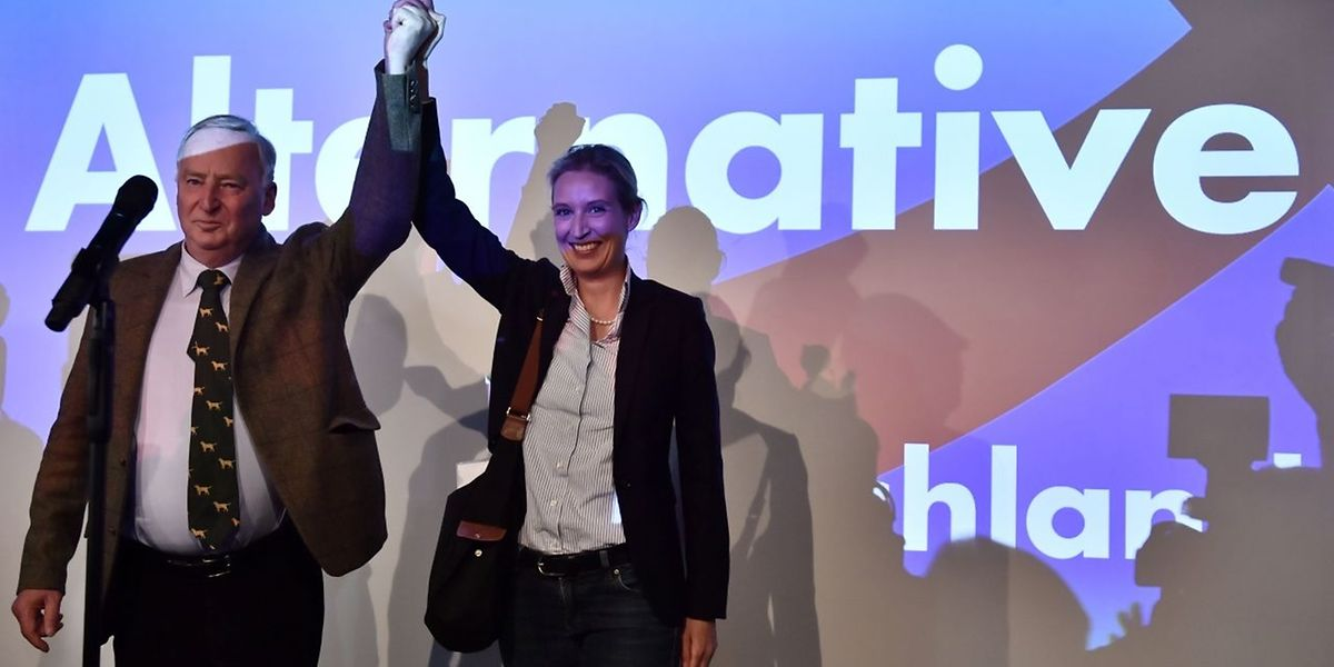 Die AfD-Spitzenkandidaten Alexander Gauland (l.) und Alice Weidel feiern ihren Sieg.
