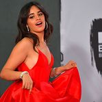Camila Cabello arrasa nos Europe Music Awards da MTV