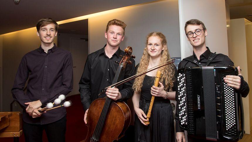 Les quatre finalistes (d.g. à d.): Sven Hoscheit, Benjamin Kruithof, Lea Sobbe, Frin Wolter.
