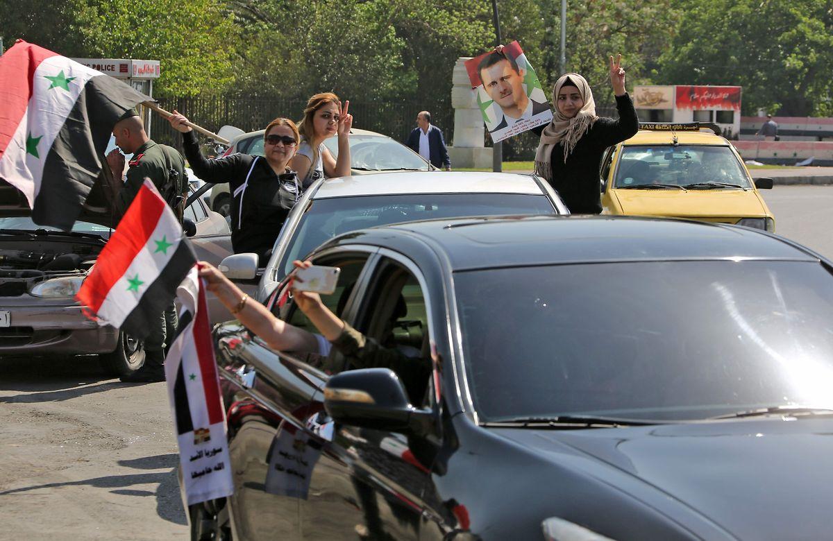 In Syrien wird Assad nach den Angriffen gefeiert.