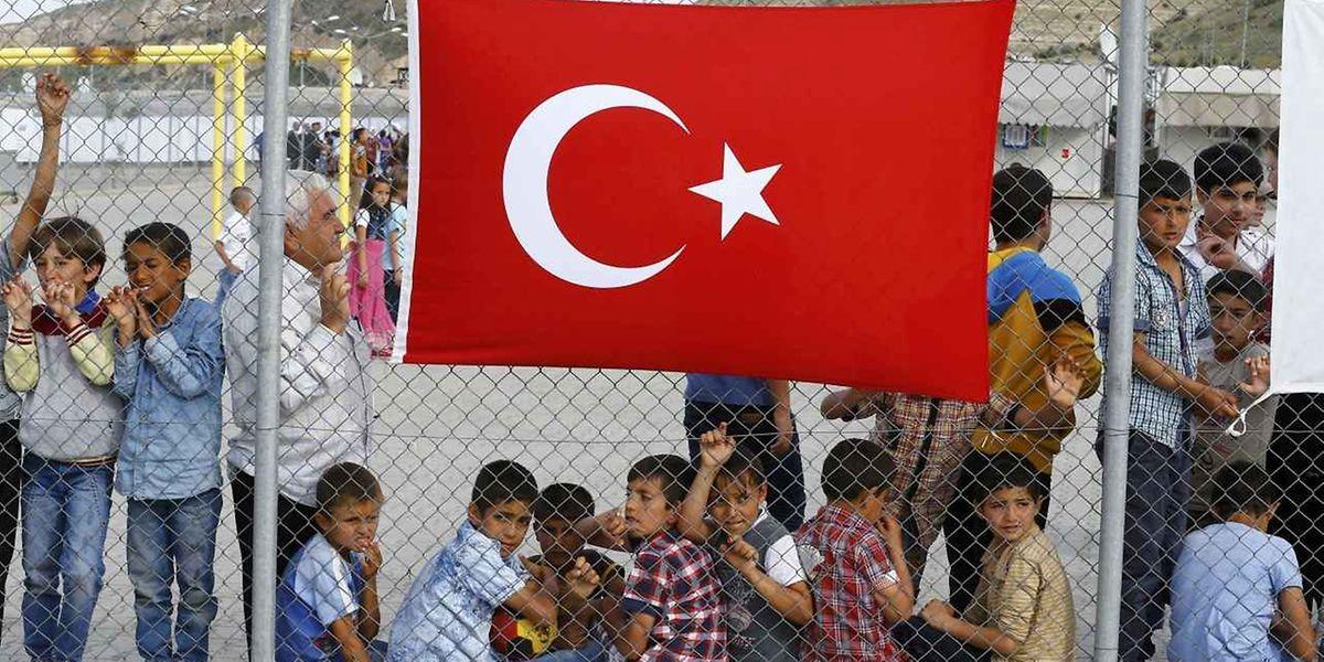 Ouvert en 2013, le camp de Nizip 2 accueille dans des préfabriqués près de 5.000 réfugiés syriens, dont 1.900 enfants, selon les chiffres du gouvernement turc.