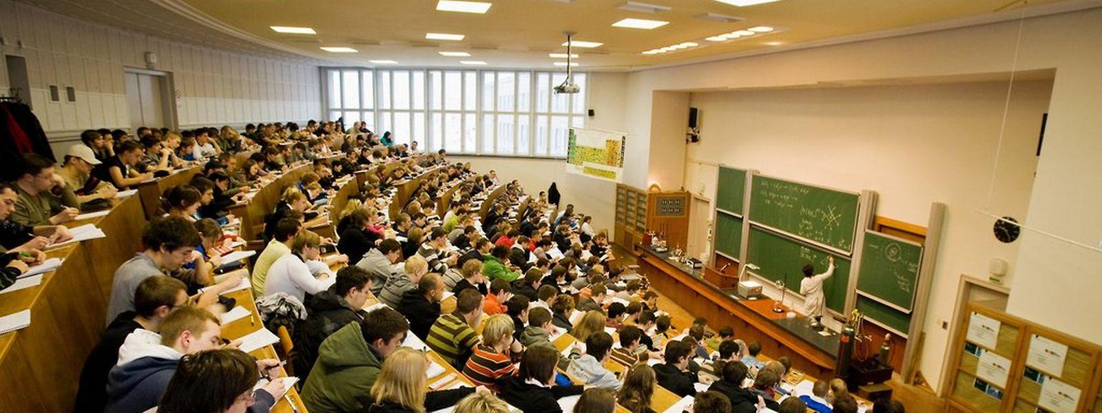 Die Schüler- und Studentenvertreter hoffen, die politischen Entscheidungsträger noch umstimmen zu können. Nachbesserungen sollte es u.a bei der umstrittenen Mobilitätsbeihilfe und Staffelung der Zulagen geben.