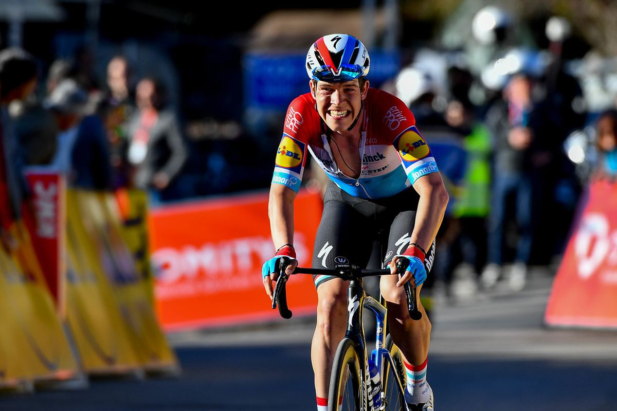 Bob Jungels grimace. Le champion national a perdu du terrain dans l'ultime ascension du jour.