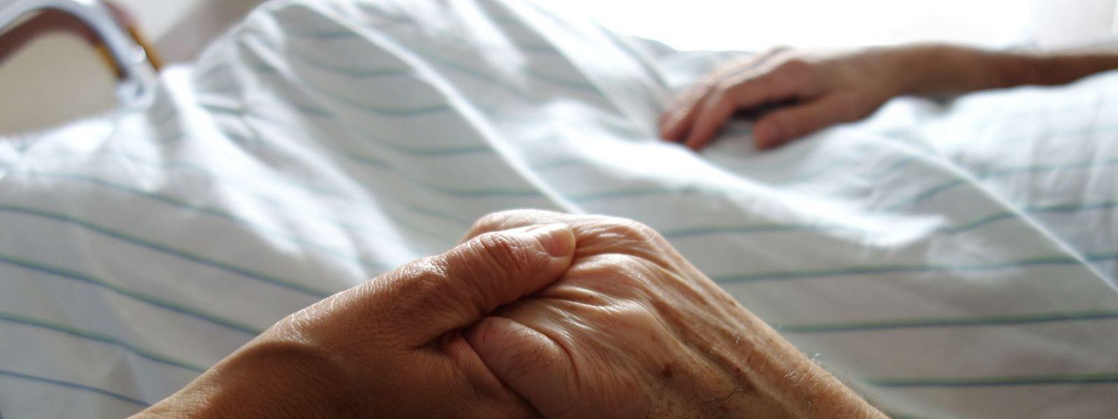 L'acte d'euthanasie se déroule de plus en plus à domicile selon la volonté du patient.