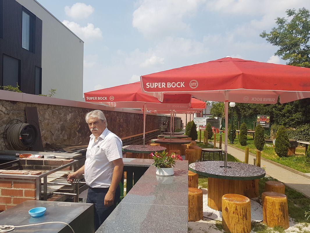 Domingos Soares inaugura novo espaço no jardim para churrascos de verão