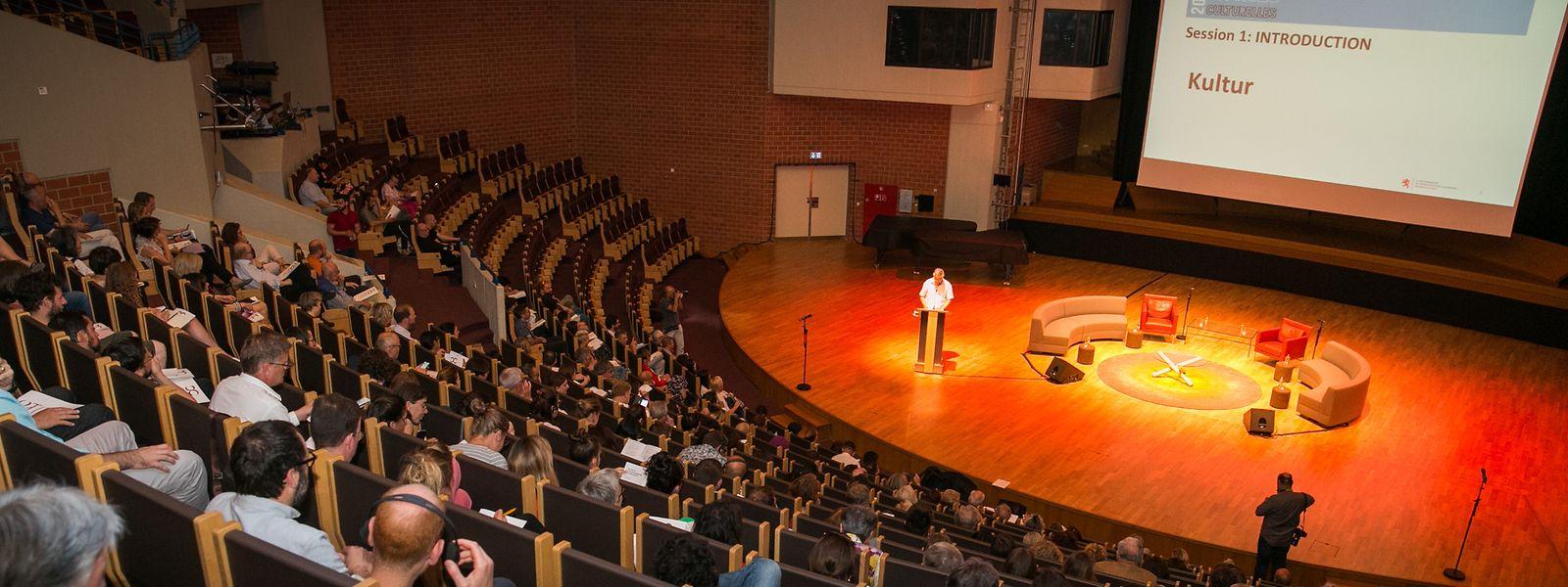 Im großen Forum der Assises Culturelles im hauptstädtischen Musikkonservatorium stellte Jo Kox die Vorlage für einen Kulturentwicklungsplan vor.