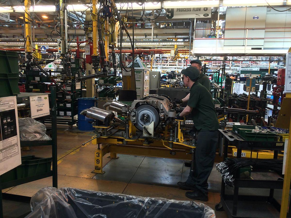 Die Zahl der JLR-Mitarbeiter hat sich in den vergangenen Jahren mehr als verdoppelt. Sie liegt bei 34000 Angestellten, inklusive 8000 Ingenieuren und Autodesignern.