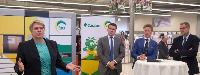 Hjoerdis Stahl, passée de LuxairCargo à Post pour s'occuper notamment de logistique, présente le nouveau partenariat sous l'oeil de Claude Strasser et Laurent Schonckert