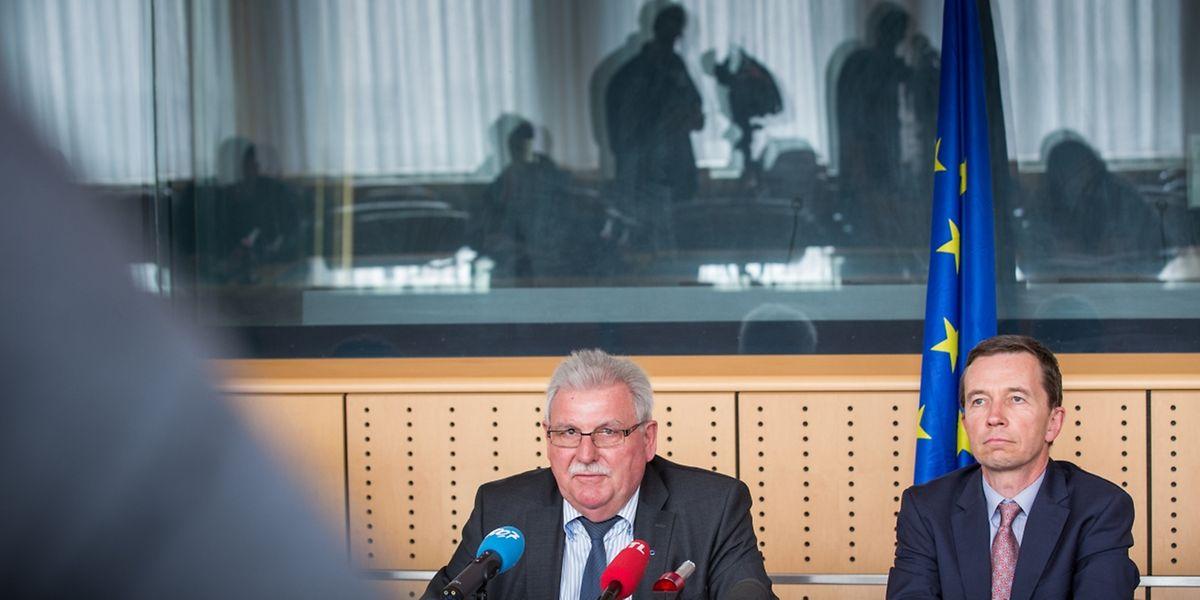 Werner Langen (Europäische Volkspartei) und Bernd Lucke (Europäischen Konservativen und Reformisten) waren als Mitglieder der PANA-Delegation in Luxemburg..