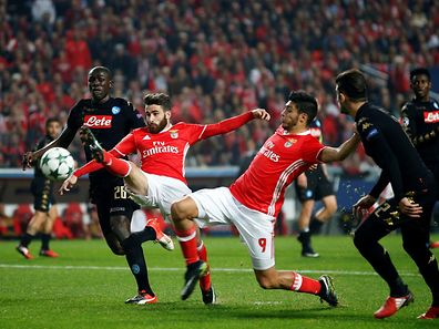 Football Soccer - Benfica v Napoli - UEFA Champions League group stage - Group B  - Luz stadium, Lisbon, Portugal - 6/12/16  Benfica's Raul Jimenez and Rafa Silva (2nd L) in action against Napoli's Kalidou Koulibaly. REUTERS/Rafael Marchante