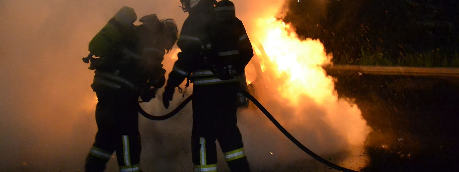 Bei dem Fahrzeugbrand in Esch/Alzette entstand hoher Sachschden.