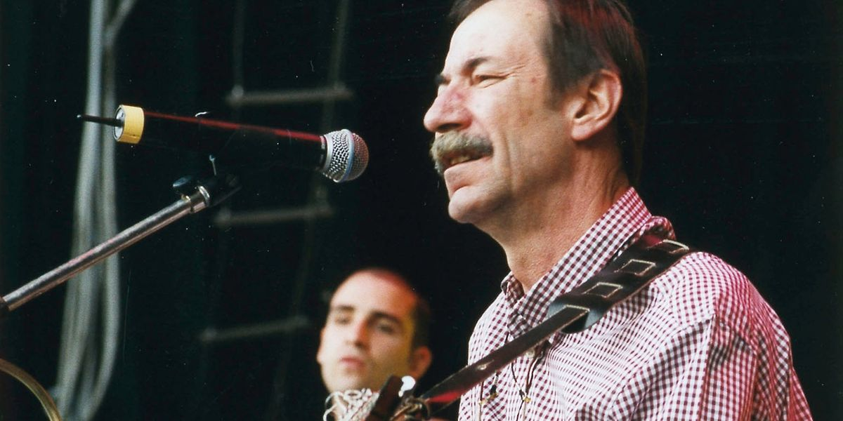 Raue Stimme und akustische Gitarre: Marco Poggi.