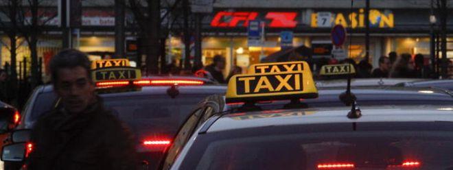 «Nous ne sommes pas illégaux!», fulmine Nordinne, vice-président de la fédération des taxis indépendants.