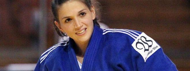 Sie führt die Luxemburger Delegation als Fahnenträgerin an: Judoka Marie Muller.