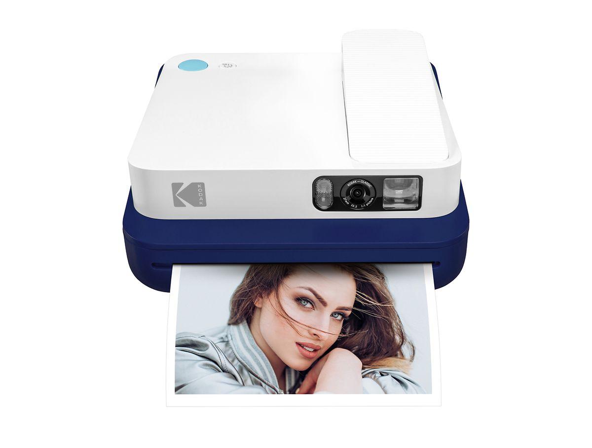 Die Kodak Smile Classic (ca. 200 Euro) gibt relativ großfortmatige Sofortbilder aus.