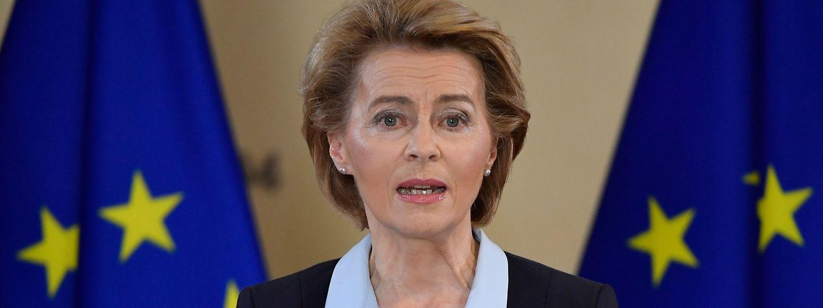 EU-Kommissionspräsidentin Ursula von der Leyen bei einer gemeinsamen Pressekonferenz mit der deutschen Bundeskanzlerin Angela Merkel am 2. Juli 2020.