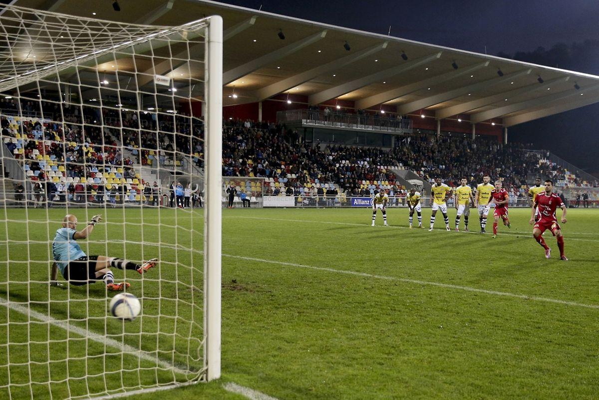 Le penalty de Dejvid Sinani a permis à Differdange d'accrocher le F91.