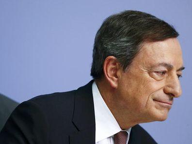 Draghi sinalizou que o programa de compra de ativos se irá estender até que a taxa de inflação se aproxime mais da meta de 2%.