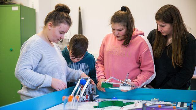 Lokales, Lycée classique Echternach: Technik-Schüler erreichen 3. Platz bei Roboter-Meisterschaft, Foto: Lex Kleren/Luxemburger Wort