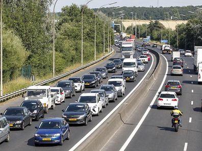 Die Autobahn A6 stößt seit fünf Jahren an ihre Kapazitätsgrenzen.