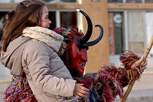 Associadas às tradições ancestrais do Solstício de Inverno na região transmontana, várias figuras estão a ser recuperadas  com o apoio das populações e autarquias